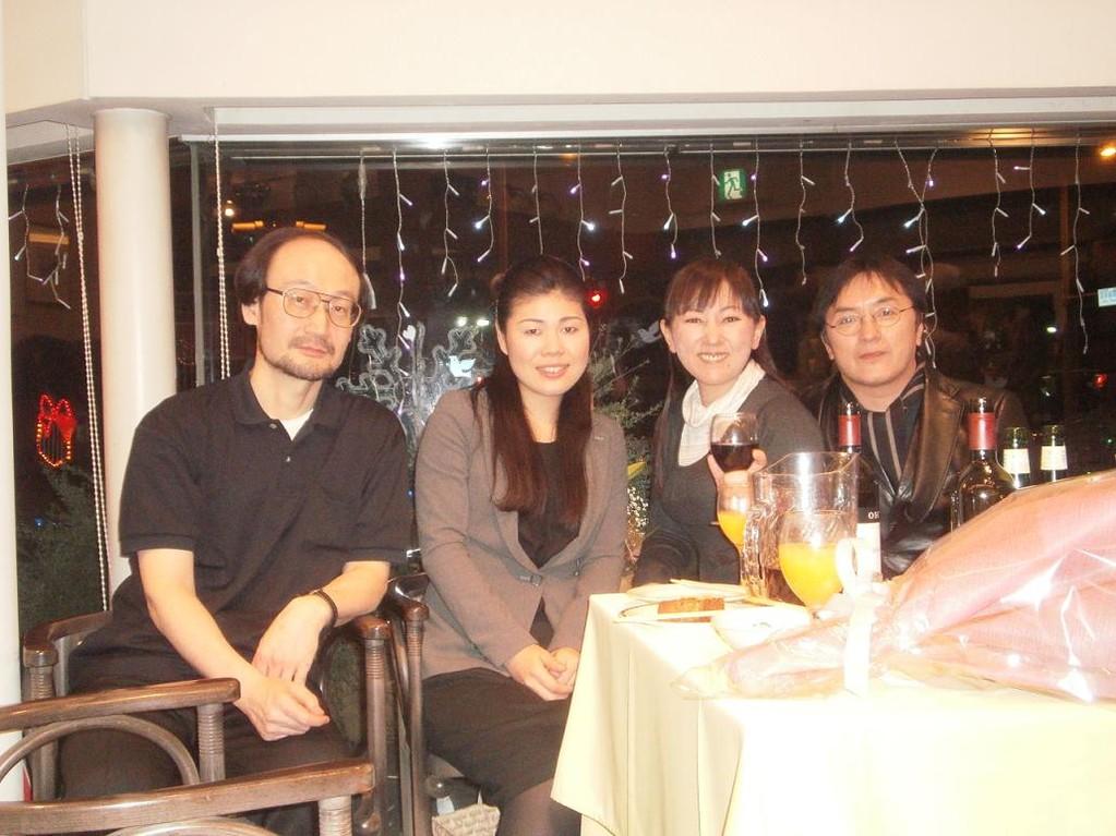 左から、バス浦野さん、私、ソプラノ永田さん、テノール出口さん