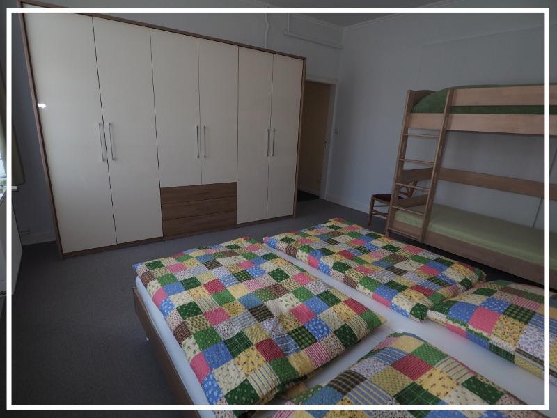 1. Schlafzimmer mit Etagenbett