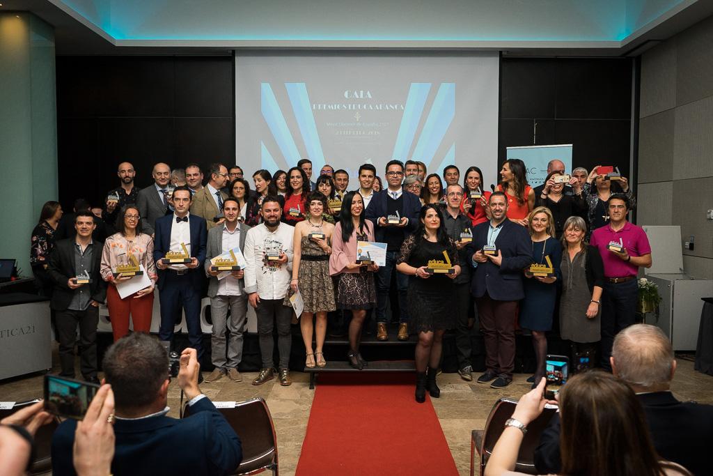 Foto con los 10 finalistas de cada categoría de los Premios Educa.