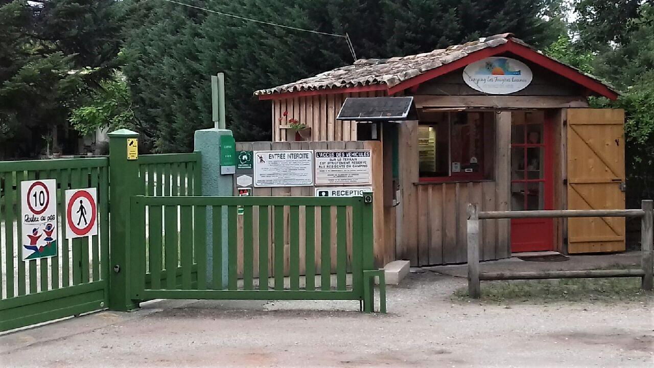 Entrée du camping Les Fougères Lacanau