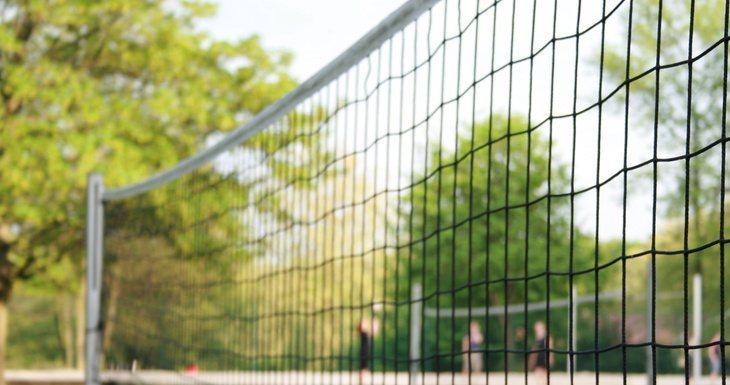 Aire de volley ball avec filet