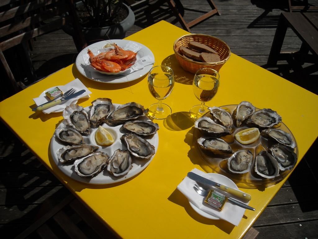 Plateau d'huîtres au bord du bassin d'Arcachon - Oysters platter
