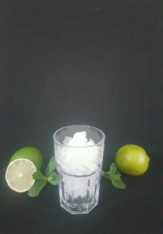 1. Remplir un verre de glace pilée