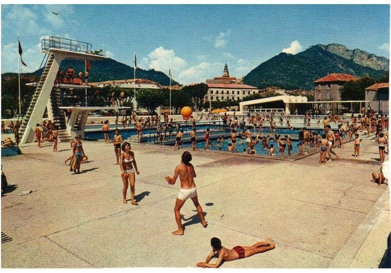 Digne La piscine en 1959 ( Photo envoyée par Roger Bonjean)