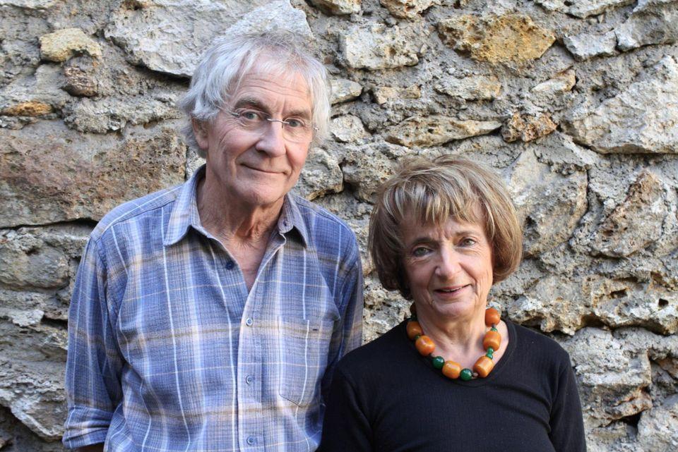Michel et Monique PINCON-CHARLOT : Sociologues français spécialisés dans la fermeture au sein des classes supérieures de la société