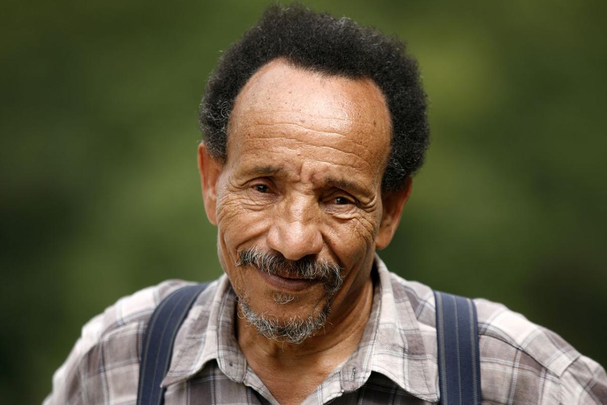 Pierre RABHI : Essayiste, Agro-écologue, Romancier et Poète français, Fondateur du mouvement Colibris