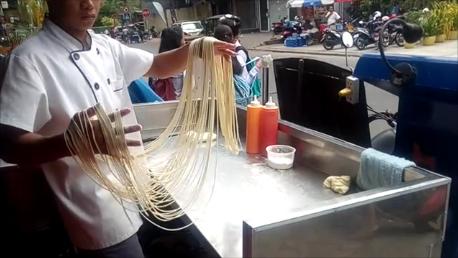 Préparation de noodles sur commande