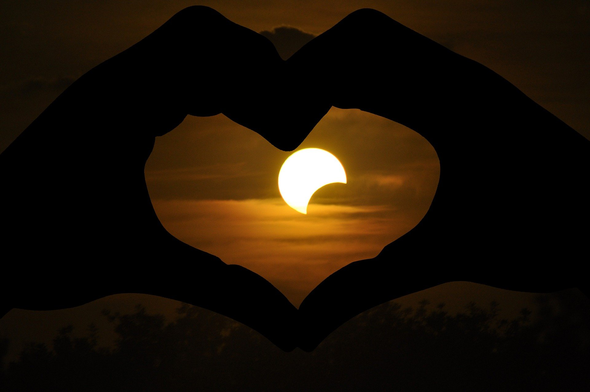 Energetische update Zonsverduistering en nieuwe maan 10 juni 2021 ♥ Willemien Timmer ♥ Lichtwerkers Nederland