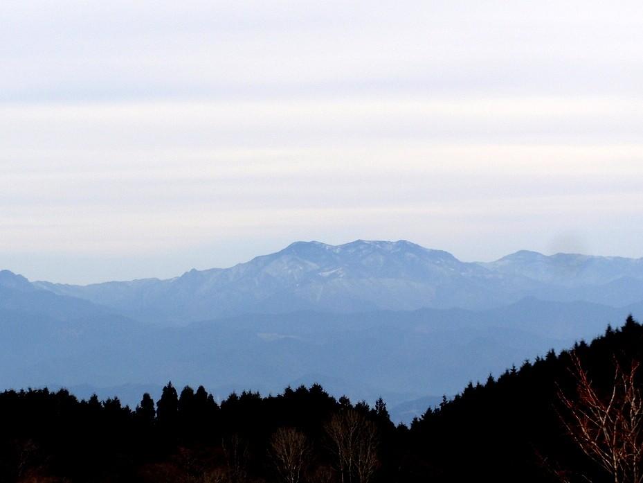 ミュージアム前から大峰山系