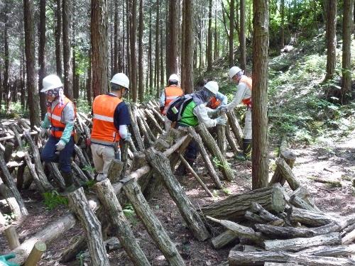 人工林ホダ木置き場整備