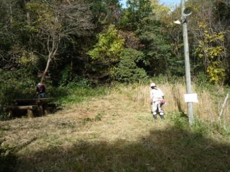 第2キャンプ場でササ刈り