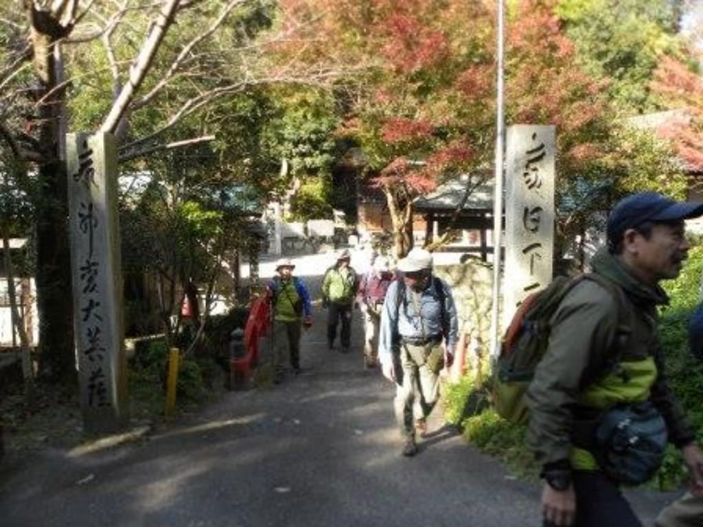 大龍寺の前で
