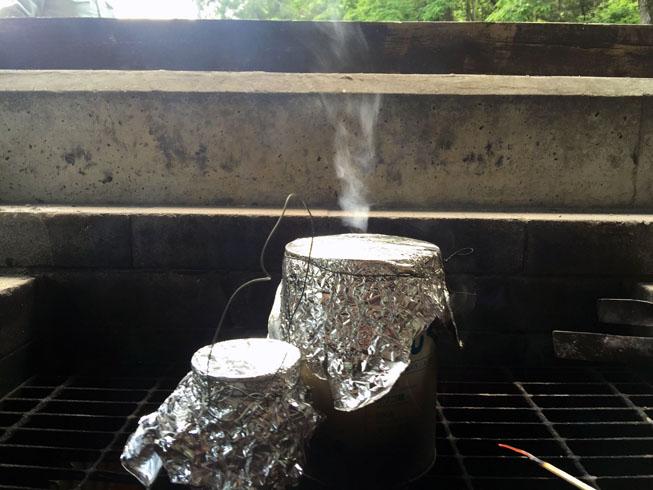 水蒸気や煙が缶から出なくなったら完成です