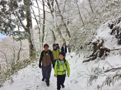 樹氷の中を歩く