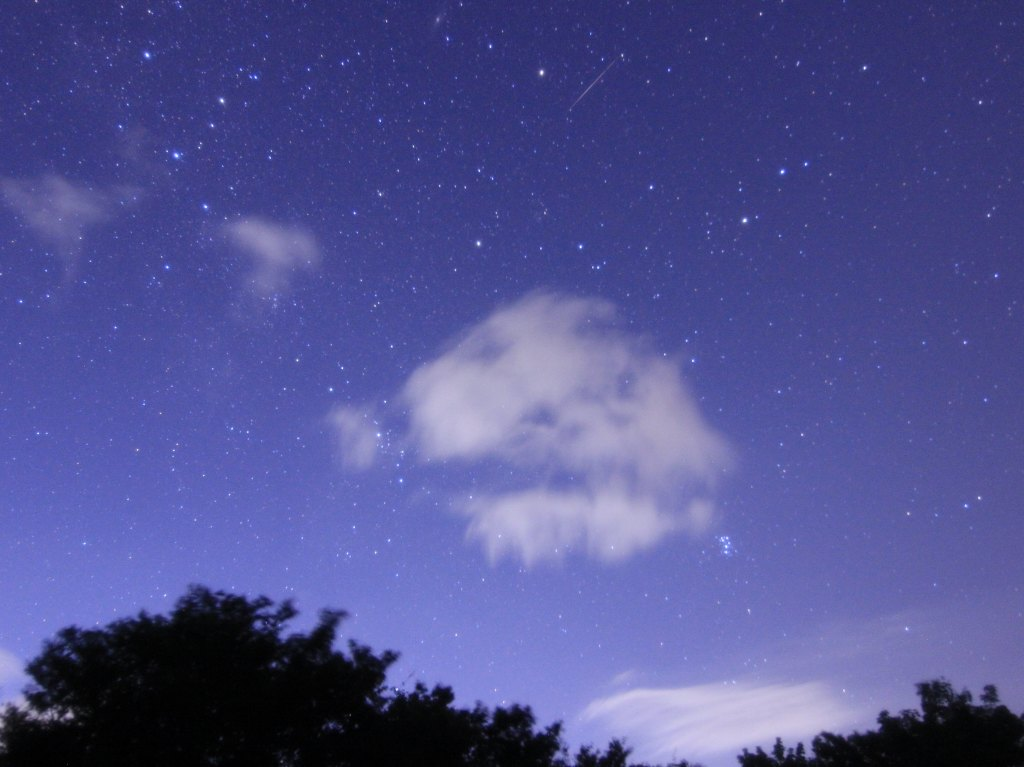 カシオペヤ、ペルセウス座、昴。偶然流れ星も...。