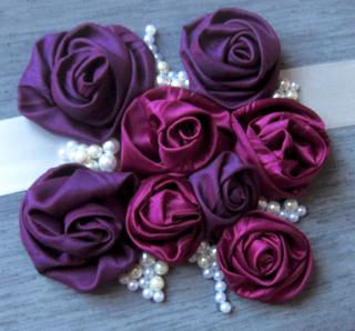 Handgenähte Satinrosen violett fuchsia für Hochzeitsfotoalben