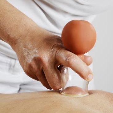 Schröpfkopf-Massage
