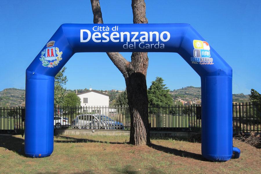 Arco Gonfiabile Città di Desenzano sul Garda  - grafica Mista