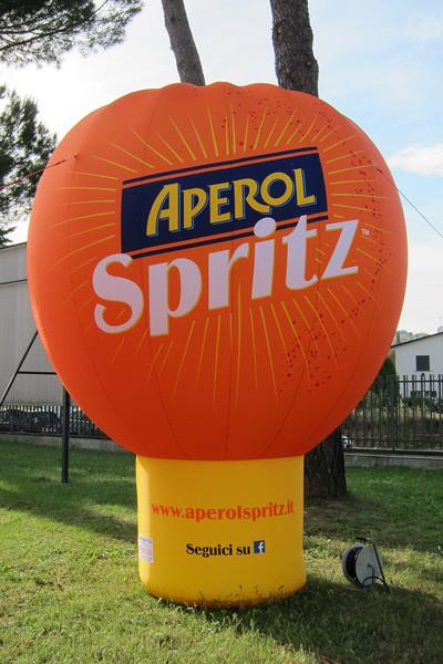 Mongolfiera gonfiabile Aperol Spritz mt 4 h