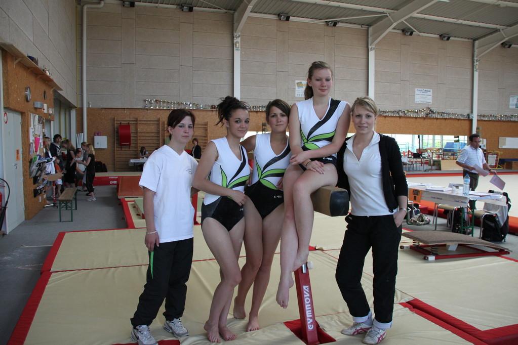 "Equipe ""TOUTES CATEGORIES "" Marie-Odile WEBER, Aurore SAULAS , Laura HESTIN, Lucie BELLICAM"