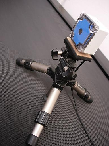 超広角の専用カメラで撮影します。