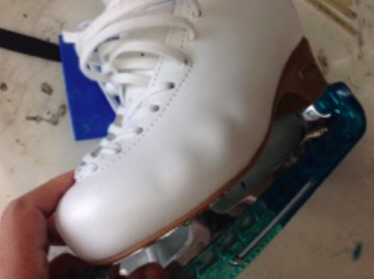 フィギュアスケート フィギュアスケート靴 コブ出し