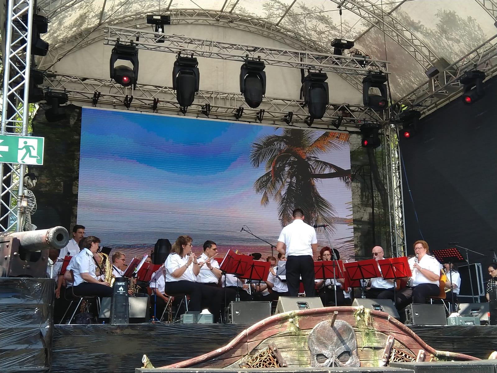 Zu Gast mit dem Orchester bei der Pirate World