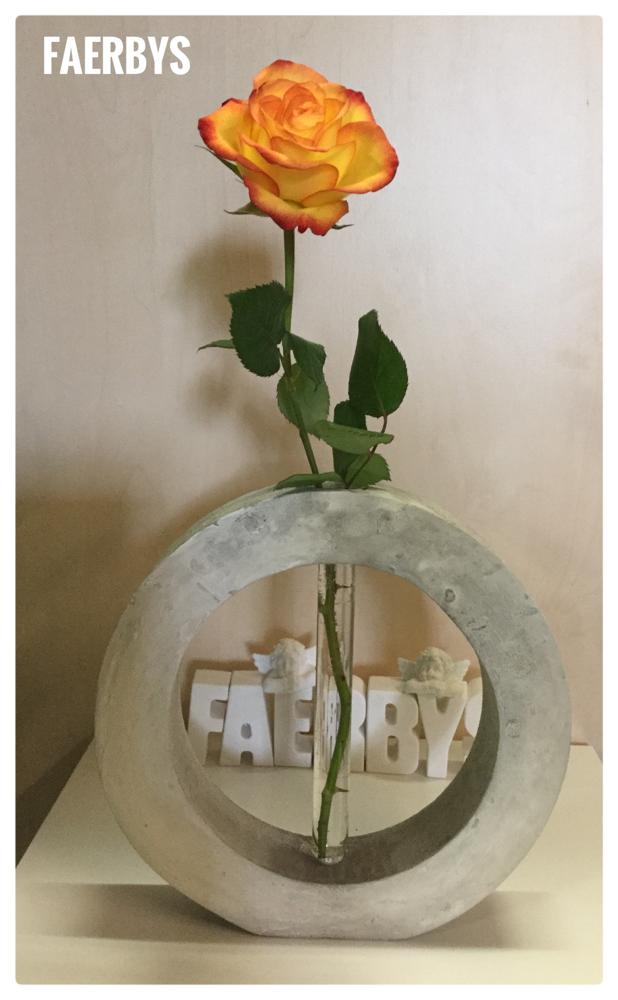 Silikonform  Vase rund mit Reagenzglas - zum giessen mit Beton, BTonG , Gips