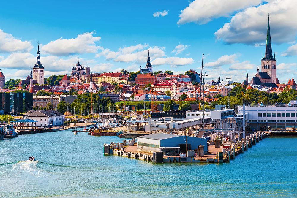 Tallin - das kulturelle Zentrum Estlands. Es liegt nur knapp 44 sm von Helsinki entfernt.