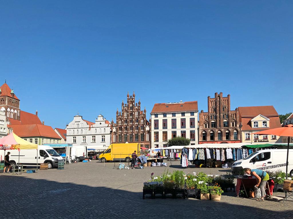 Der große Marktplatz!