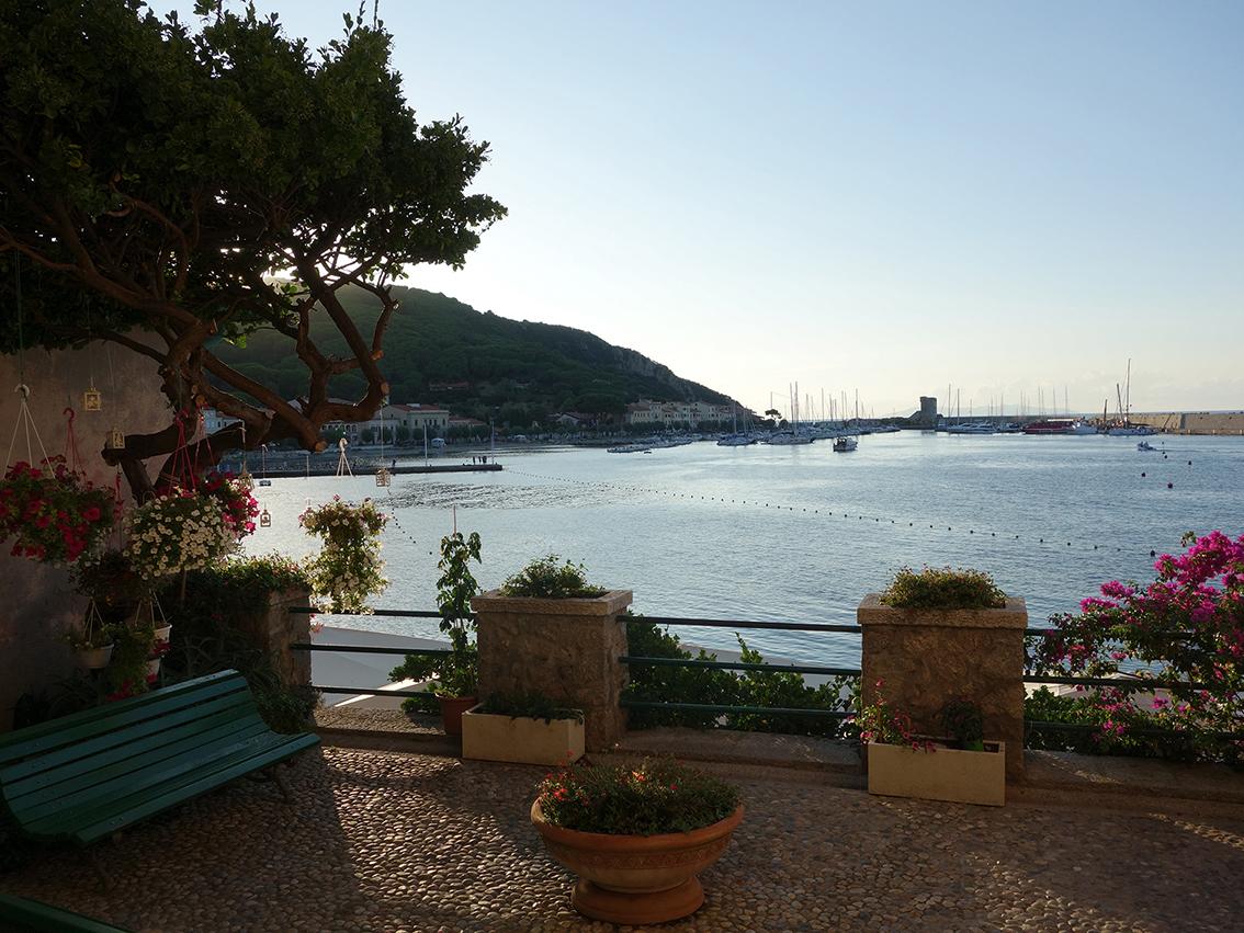 Marciana Marina ist ein sehenswerter kleiner Ort an der Nordseite Elbas