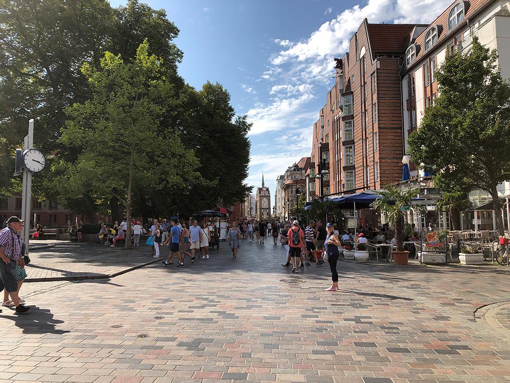 Rostock Innenstadt mit Blick auf das Kröpelintor