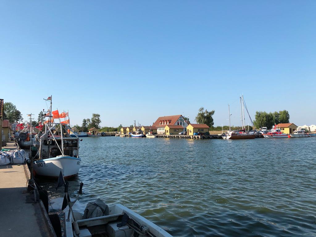 Der kleine wunderschöne Fischerhafen von Frees. Nur ein paar Meilen von Kröslin entfernt. Hier hatten wir leider keine Anlegemöglichkeiten.