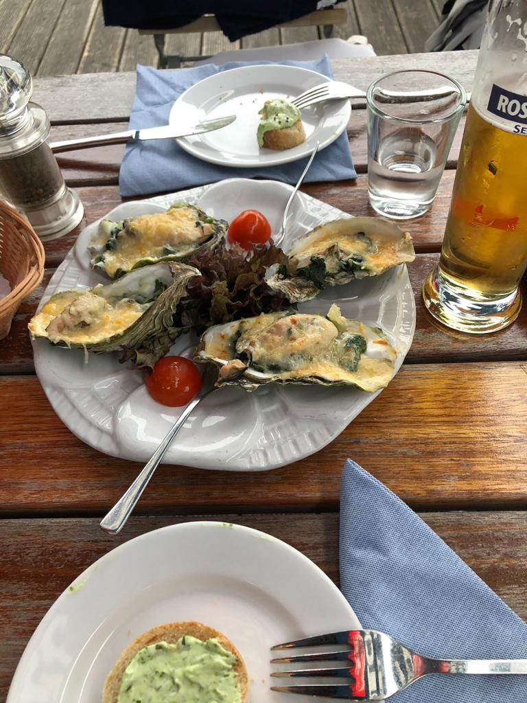Überbackene Austern als Vorspeise. Die waren schon sehr lecker.