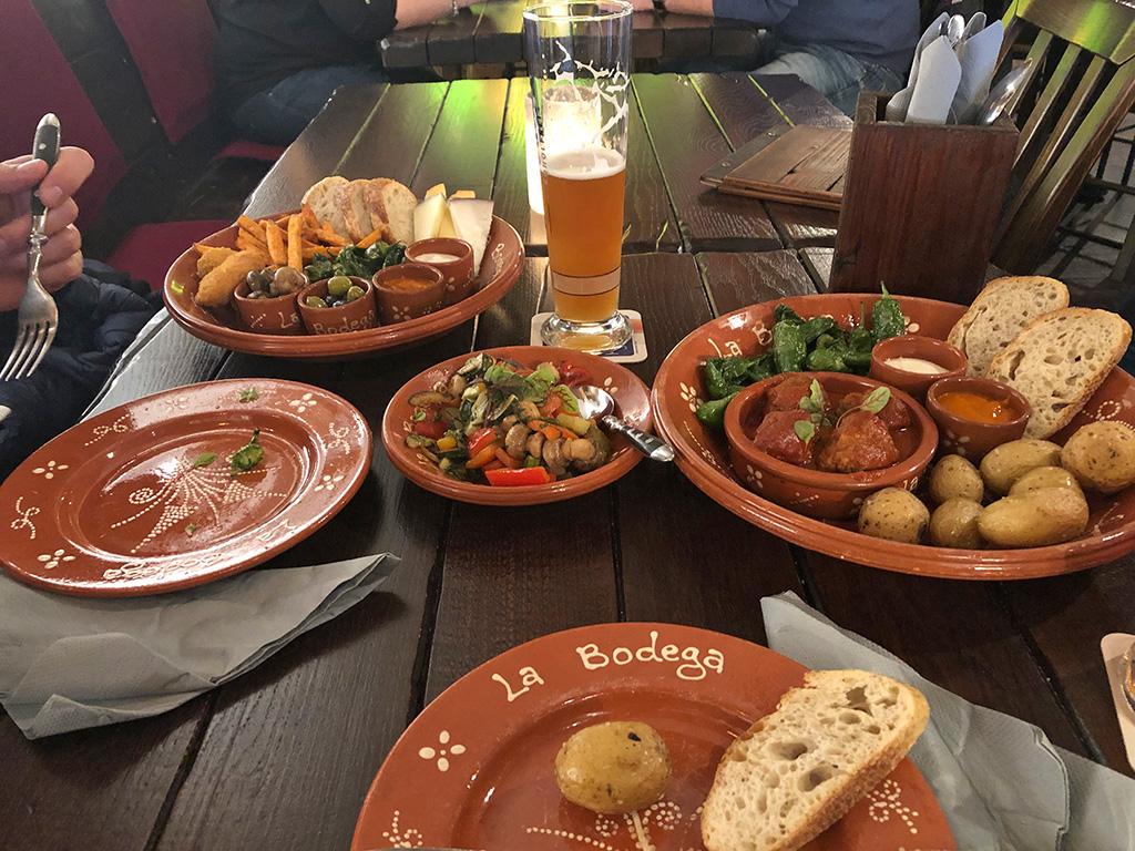 """Dieses Abendessen haben wir uns redlich verdient - im Restaurant """"La Bodega"""""""