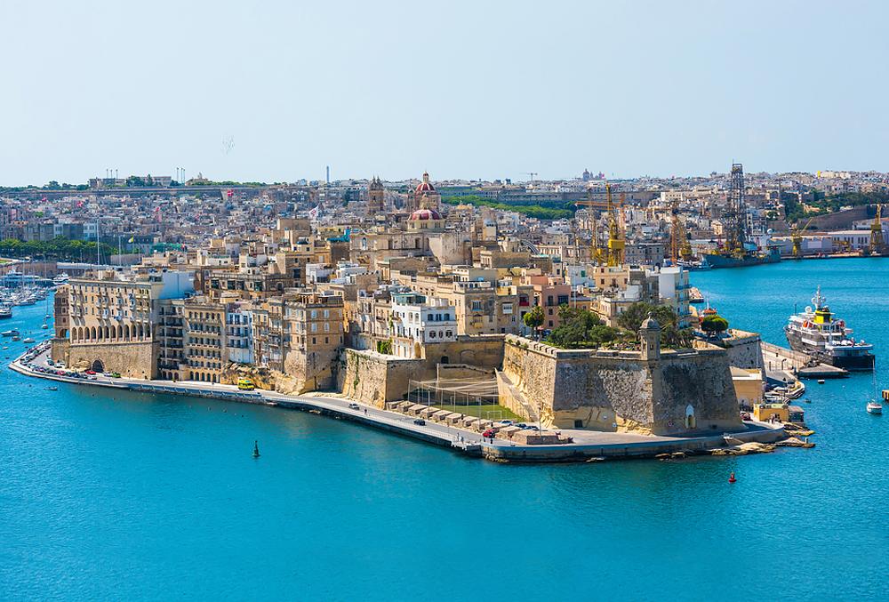 """Malta - Zwischen Tourismusboom und Korruption. Bietet mehr als nur die """"Blaue Grotte""""."""