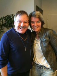 James van Praagh und Claudia