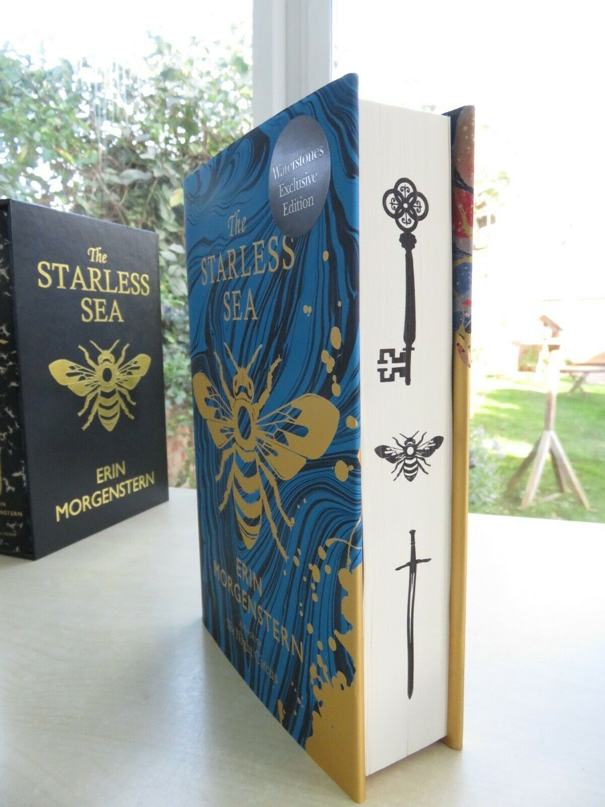 Waterstones 2: Stencilled Edges und Schuber