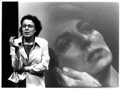 A la foto, l'actriu Miriam Iscla, protagonista de l'obra.