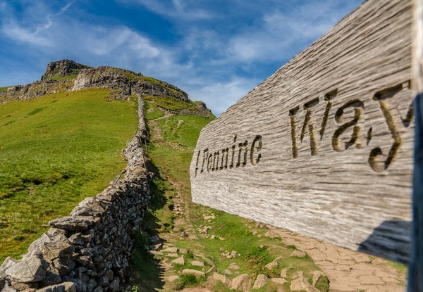 Pennine Way path, Pen-y-ghent. Dreamstime.com