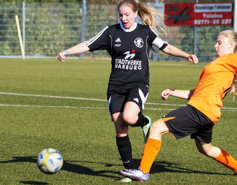 Die Spielerinnen des SSV Frohnhausen standen der FSG Ebsdorfergrund und ihrer Mannschaftskapitänin Sarah Wege auf den Füßen