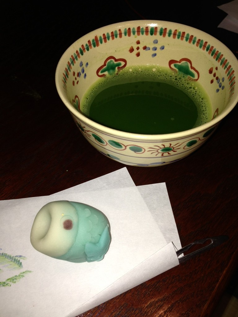 手鞠さんのお菓子と共に  「鯉のぼり」