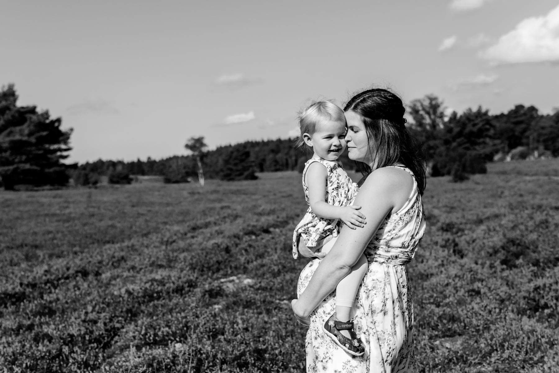 Fotoshooting mit Babybauch Sittensen | Babybauchshooting Schneverdingen | Schwangerschaftsfotografie Visselhövede | Babybauchbilder Soltau | Babybauch Shooting