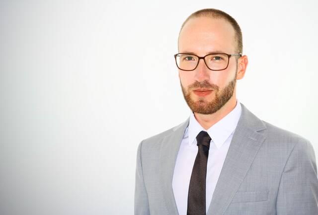 Ralph Smyreck, M. A. – Specialist Translator and Transcreator