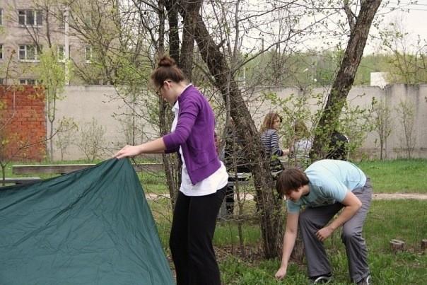 Устанавливаем палатку