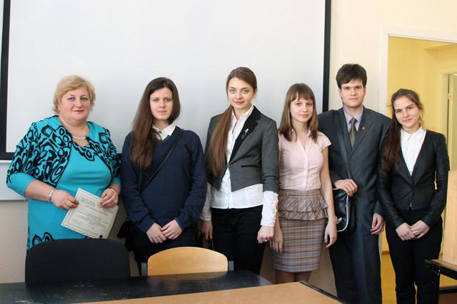 Группа выступающих по истории и праву с Диченко Л.В.