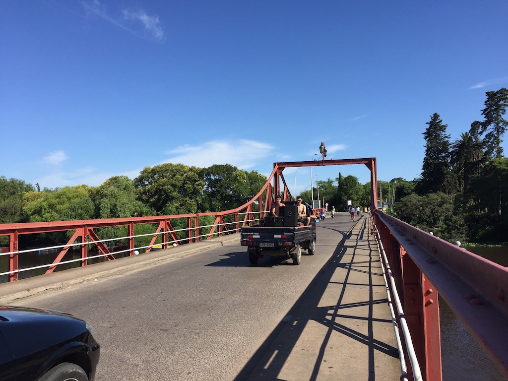 einzige handbetriebene Brücke in Südamerika