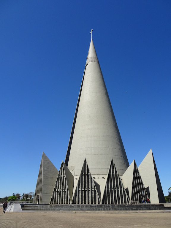 La Nossa Senhora in Maringá, 5. höchster Kirchturm der Welt -
