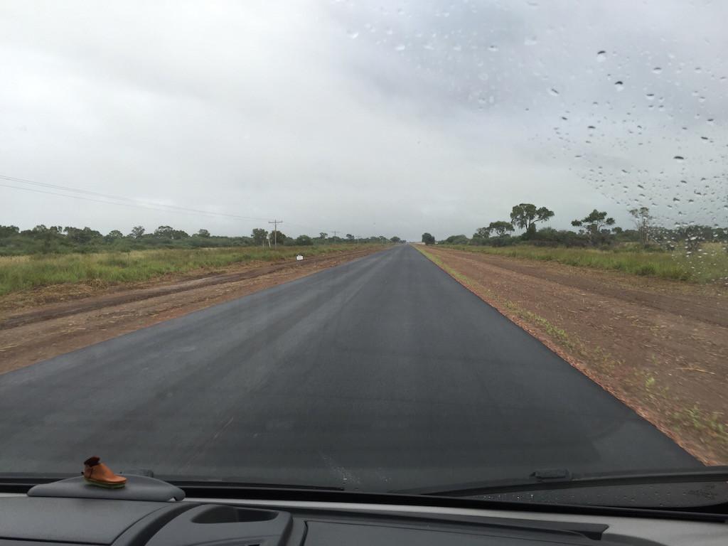 Chaco: 800 km lange gerade Strasse liegt vor uns....