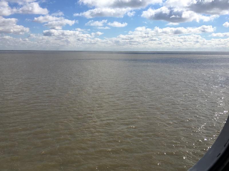 unser Kahn ist 100m lang und fährt mit 70 km/h über den Rio de la Plata nach Colonia de Sachramente